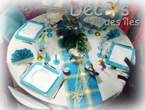 Decoration table theme madras turquoise for Decoration exotique pour maison